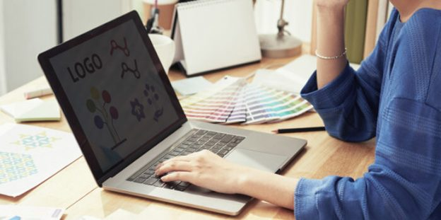 Factors to Consider Before Hiring a Logo Designer