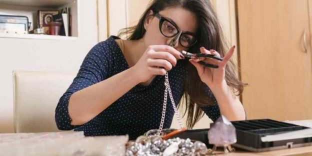 How To Start A Jewelry Making Business in 2021? The Comprehensive Guide